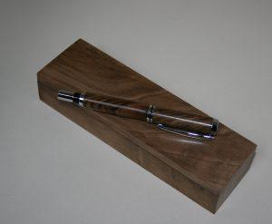 Fountain pen walnut wood